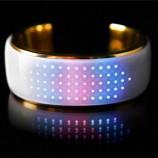 دستبند هوشمندی که تغییر رنگ میدهد+تصاویر